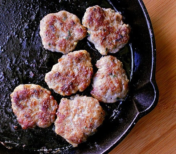 Maple Breakfast Sausages. A lovely breakfast sausage with mild herbs and a hint of maple. Have fun making these sausage links at home!