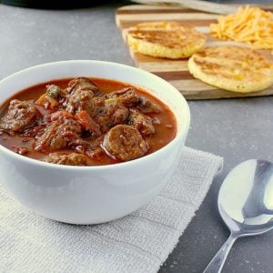 You won't miss the carbs in this fully loaded Instant Pot Low Carb Chili with three types of meat, delicious texture and amazing flavour.