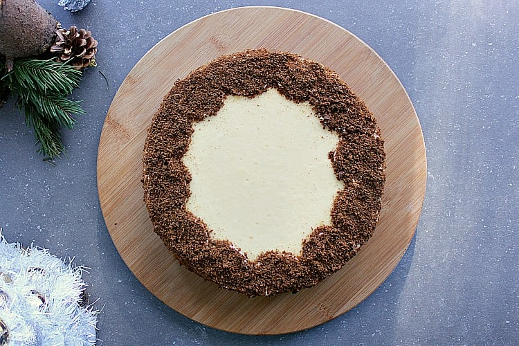 Finished gingerbread crust cheesecake.